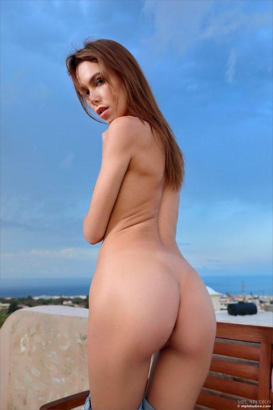Serafina Nude In The Tempest MPLStudios Model Pics