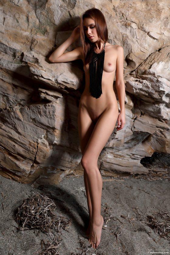 Serafina Nude In Sea Cave MPLStudios Model Pictures
